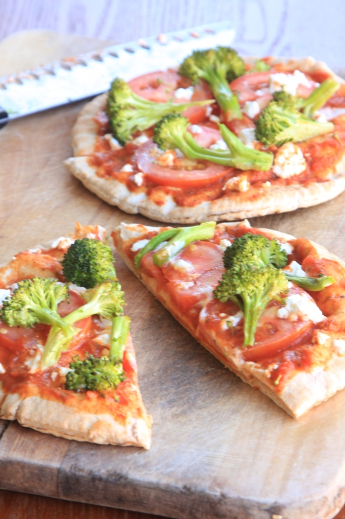 Smoked broccoli and goat cheese pizza1
